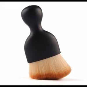 Paintbrush Shaped Brush ~ Black